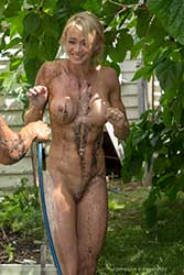 erin mud fight