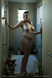 la-luna shower