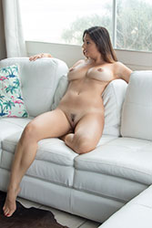 scarlett-morgan nude at home
